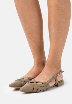 Baleríny s otevřenou patou - poncho kaki