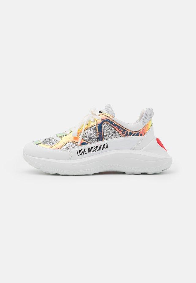 SUPER HEART - Sneakers laag - multicolor
