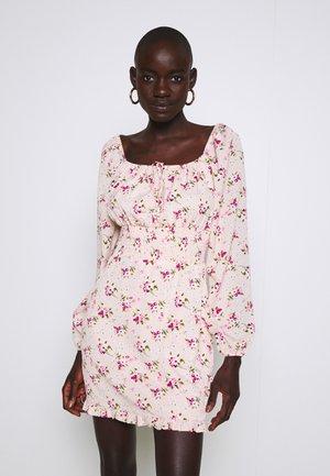 WAIST MINI DRESS - Korte jurk - pink