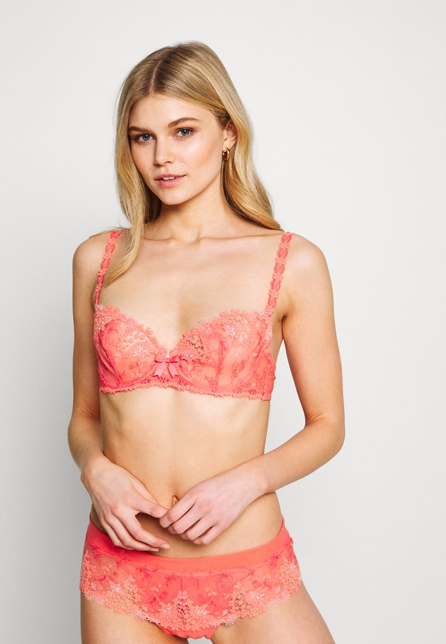WISH HALBSCHALE - Underwired bra - koralle