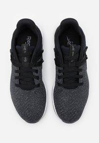 Reebok - EVER ROAD DMX 2.0 - Walking trainers - black/grey/white - 3