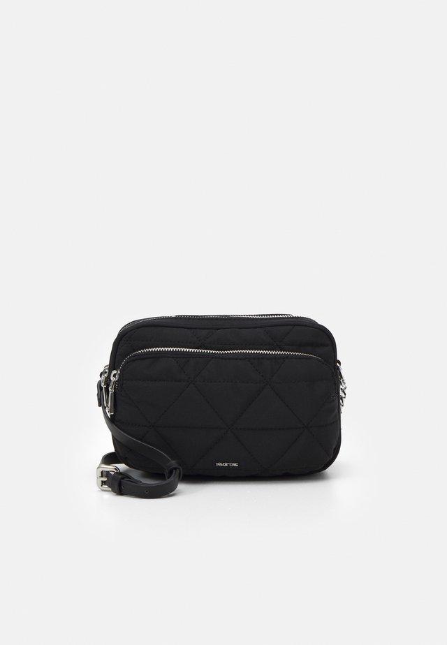 CROSSBODY BAG CLAIR - Umhängetasche - black