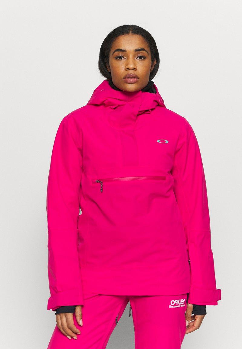 Oakley - IRIS INSULATED ANORAK - Snowboardjacke - rubine red