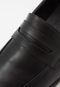 New Look - LAWRENCE PENNY LOAFER - Mocassins - black - 5
