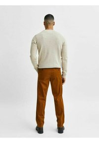 Selected Homme - SLHSLIM MILES FLEX PANTS - Chinos - monks robe - 2