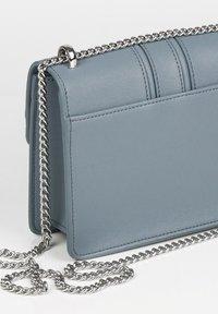 Seidenfelt - Across body bag - shady blue - 3