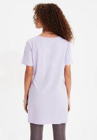 Trendyol - Basic T-shirt - purple - 1