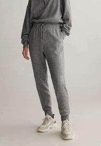 OYSHO_SPORT - Teplákové kalhoty - light grey - 0