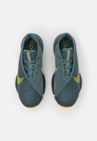 Nike Performance - AIR ZOOM SUPERREP 2 UNISEX - Træningssko - hasta/bright citron/dark smoke grey/steam - 3
