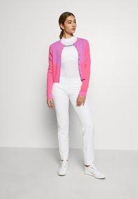 J.LINDEBERG - MELODY - Bluza rozpinana - pop pink - 1