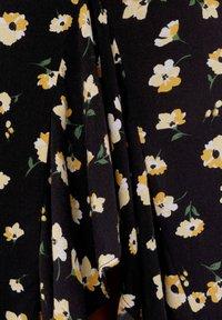 Bershka - ROCK MIT BLUMENPRINT UND VOLANTS - A-line skirt - black - 5