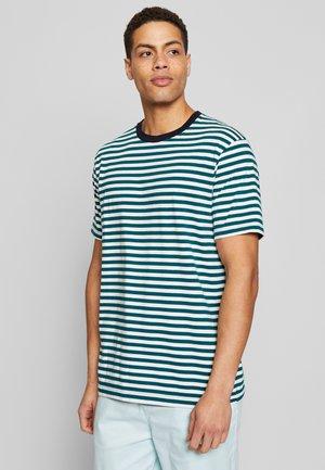 CLASSIC  - T-shirt z nadrukiem - combo