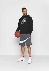 Nike Performance - NBA LA LAKERS LOGO HOODIE - Klubbkläder - black - 1