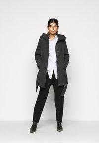 Vero Moda Petite - VMCLASSLIVA JACKET - Manteau classique - dark grey melange - 1