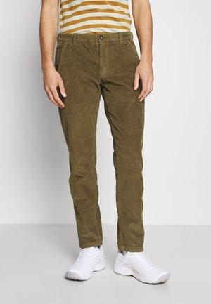 EVAN PANTS - Trousers - dark olive