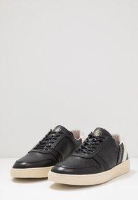 Scotch & Soda - BRILLIANT - Sneakersy niskie - black - 2
