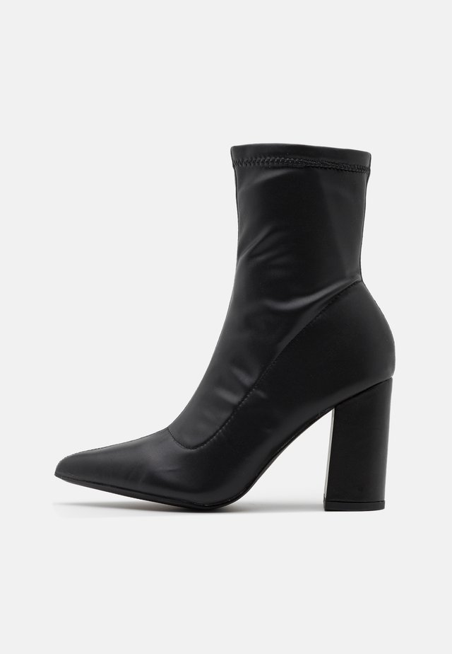POINTED TOE SOCK BOOT - Botki - black