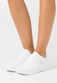 Skechers Sport - DYNAMIGHT 2.0 - Sneakers laag - white - 0
