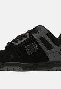 DC Shoes - STAG - Sneakers laag - black/black /battleship - 4