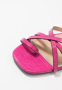 Head over Heels by Dune - LILLYY - Sandály s odděleným palcem - fuschia - 2