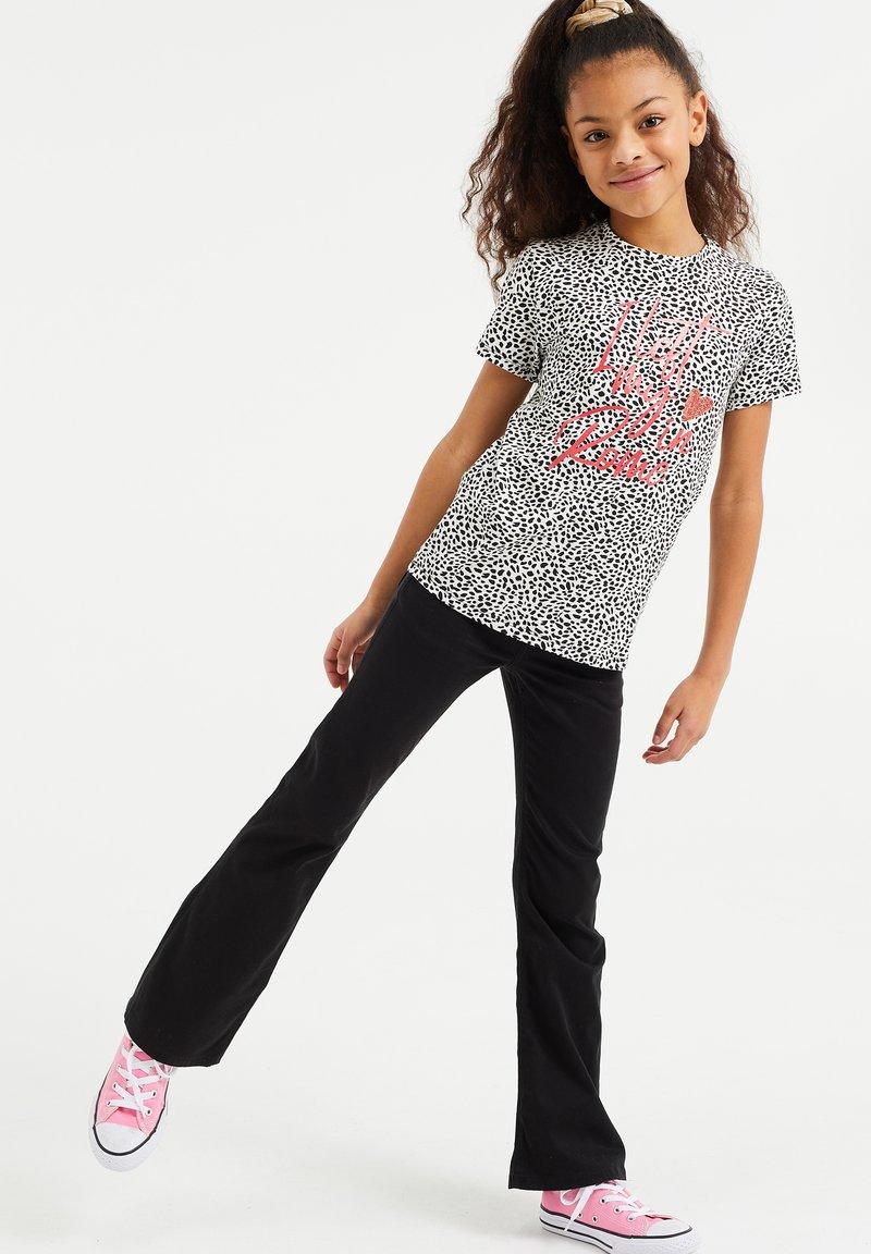 WE Fashion - MET OPDRUK, PAILLETTEN EN DESSIN - T-shirt print - all-over print