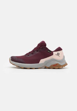 X REVEAL GTX  - Hiking shoes - wine tasting/alloy/peachy