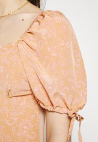 Fashion Union - BIATRRITZ DRESS - Shirt dress - bandana - 4