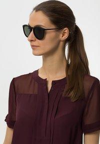 Le Specs - Sluneční brýle - black rubber - 1