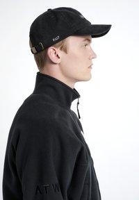 HALO - Caps - black - 1