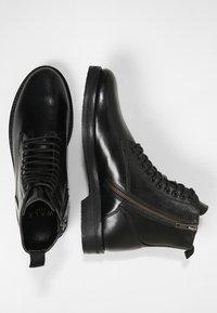 Walk London - JAZZ LACE UP BOOT - Šněrovací kotníkové boty - black - 1