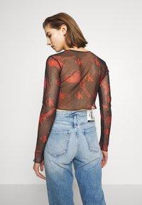 Calvin Klein Jeans - CK ONE MODERN SLIM CROP TEE - Long sleeved top - roses fury - 2