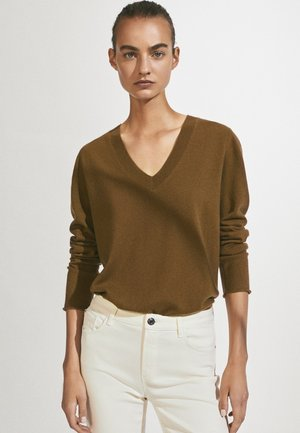 MIT V-AUSSCHNITT  - Pullover - brown
