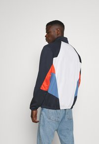 Nike Sportswear - Summer jacket - obsidian/photon dust/mantra orange - 2
