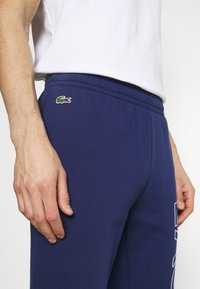 Lacoste - Träningsbyxor - scille/amaryllis/turquin blue - 3