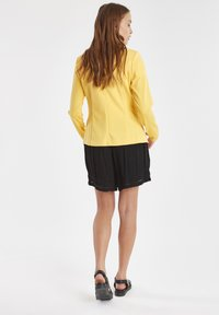 ICHI - IHKATE - Blazere - buff yellow - 2