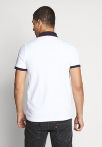 Jack & Jones - JCOCHARMING - Polotričko - white - 2