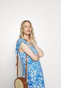 InWear - FLORIZZAI SHORT DRESS - Denní šaty - light blue - 3