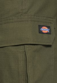 Dickies - MILLERVILLE - Shorts - military green - 4