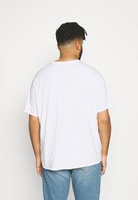 Levi's® Plus - 2 PACK - Printtipaita - white/dress blues - 2