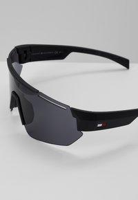 Tommy Hilfiger - Sunglasses - black - 3