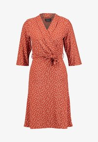 Wednesday's Girl - 3/4 LENGTH SLEEVE BELTED WRAP FRONT MIDI DRESS - Vestido ligero - brown/white - 4