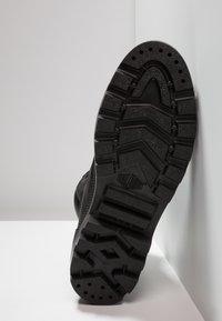 Palladium - PALLABOSS SPORT CUFF WATERPROOF - Šněrovací kotníkové boty - black - 4