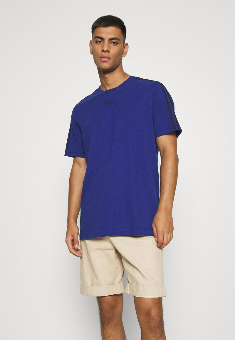 adidas Originals - 3 STRIPE TEE - T-shirts print - victory blue/black