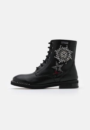 ZAMBIE - Šněrovací kotníkové boty - noir