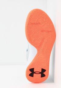 Under Armour - UA JET - Basketball shoes - halo gray/white /black - 4