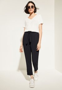 comma casual identity - REGULAR FIT - Trousers - marine - 1