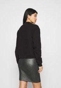 Calvin Klein Jeans - MONOGRAM  - Sweatshirt - black - 2