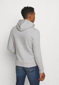 Jack & Jones - JJHERO HOOD - Mikina s kapucí - light grey melange - 2