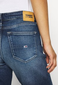 Tommy Jeans - MID RISE BERMUDA SAE - Denim shorts - blue denim - 3