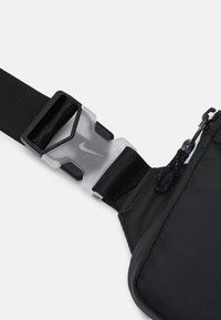 Nike Sportswear - UNISEX - Bandolera - black/iron grey/white - 3